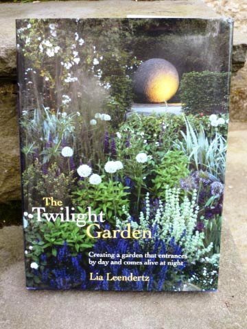 Twilight Garden cover copyright Susan Wright