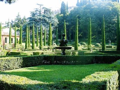 Giardino Giusti in Verona from Wikipedia