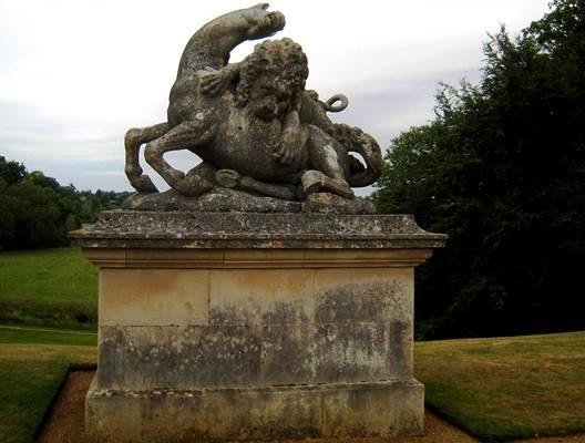 Rousham 3 copyright Anne Wareham. thinkingardens
