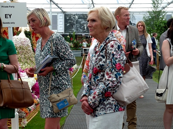 Mary Berry People_ Chelsea 2014 Copyright Anne Wareham for thinkingardens