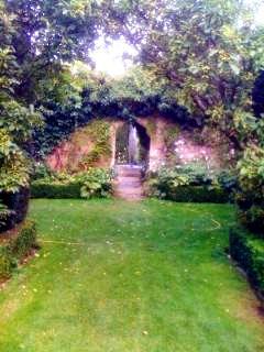 Abbey House Garden 1 copyright Kate Durr