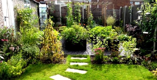 Julianne Porter, small urban garden for thinkingardens