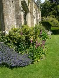 White Garden, Sudeley Castle, copyright Tristan Gregory