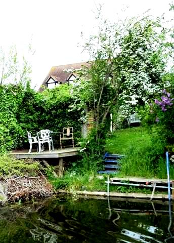 Gardens in March. (place, not month) , Messing about in boats, copyright Cherie Southgate