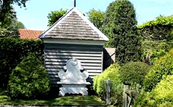 George Carter Garden shed (2) copyright Ann Hawkins.