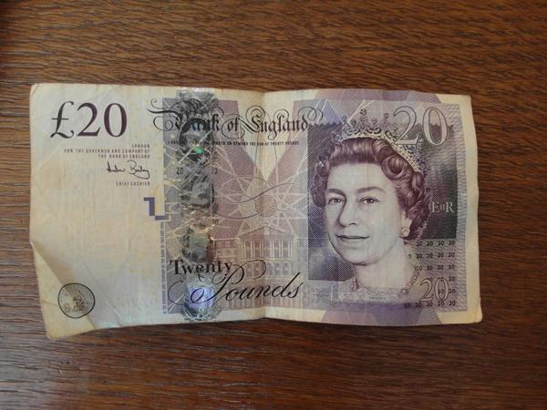 Note Cash cropped 4 SAM_5386