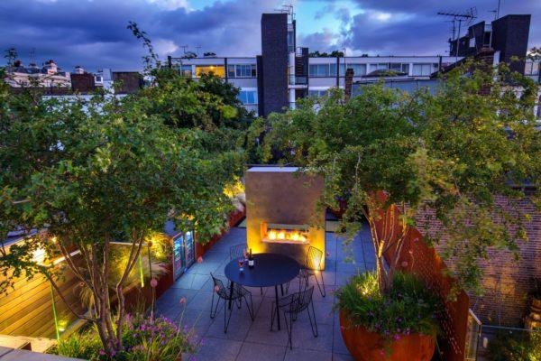 ROOF GARDEN - Andrew Wilson FSGD and Gavin McWilliam - Notting Hill Terraces. IMAGE. MARIANNE MAJERUS